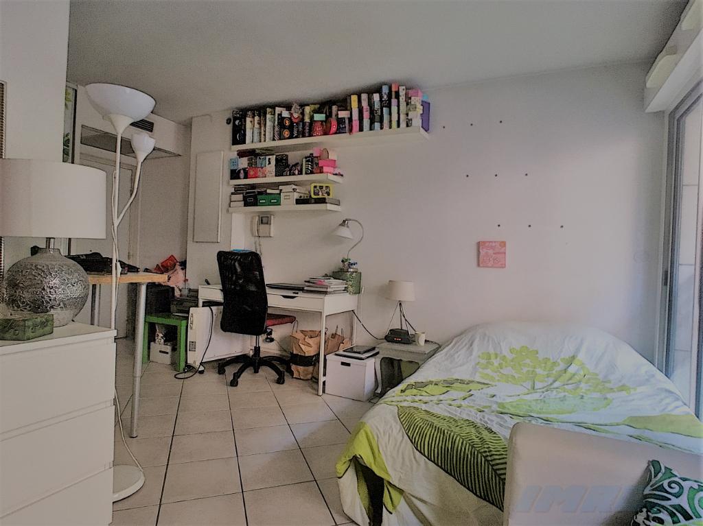 a vendre appartement marseille 25 m imrep gnimmo. Black Bedroom Furniture Sets. Home Design Ideas